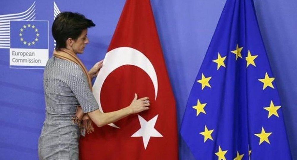 Die Welt: AB Türkiye'ye tahsis edilen fonları yüzde 75 oranında kıstı