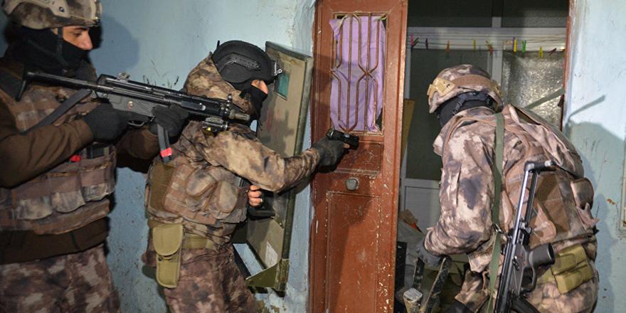 Adana'da IŞİD operasyonu: 10 kişi gözaltında