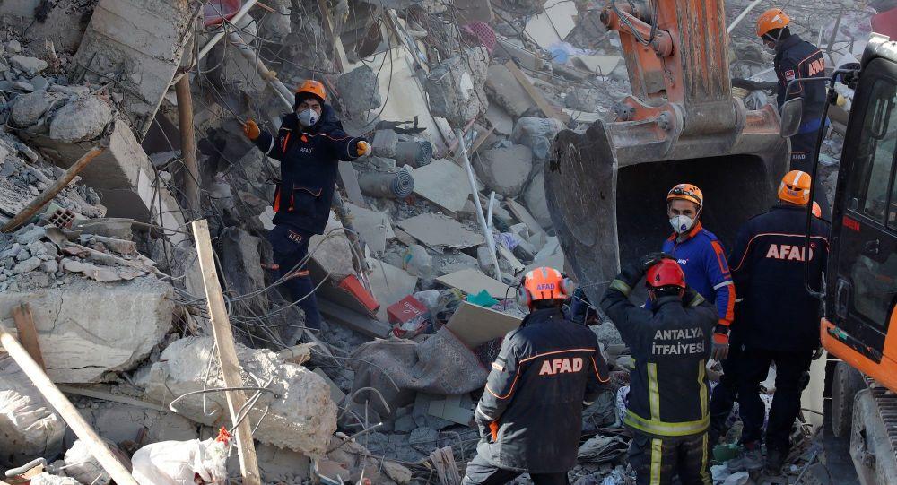 AFAD'dan depreme yönelik 'hayat kurtaran' öneriler
