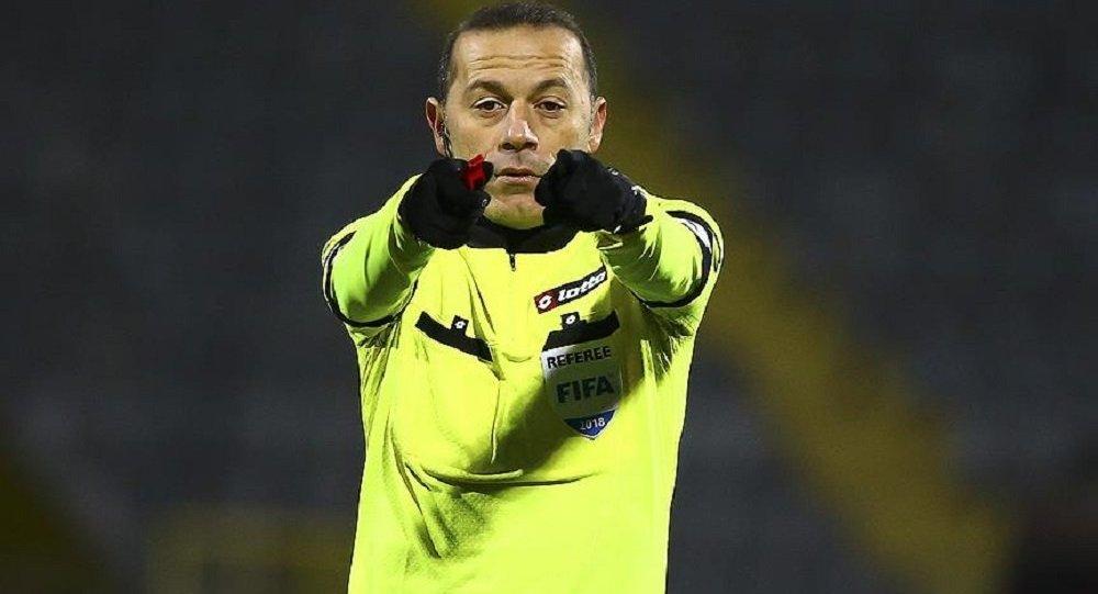 'FIFA Cüneyt Çakır'ın biletini kesti' iddiası