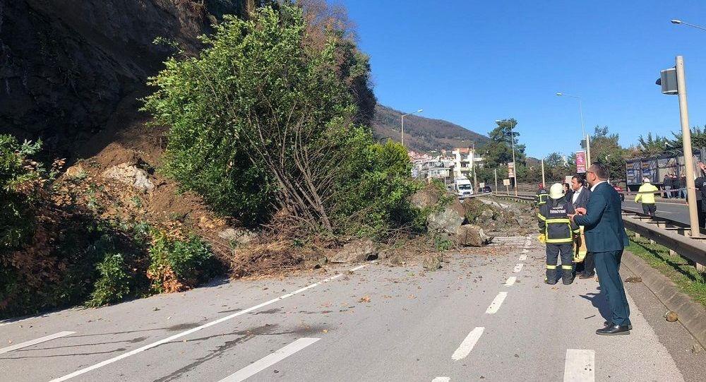 Ordu'da heyelan: Giresun yolu kısa süreliğine ulaşıma kapandı