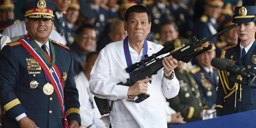 Kuzey Kore lideri Kim'e 'aptal' diyen Duterte ağız değiştirdi: Herkesin kahramanı