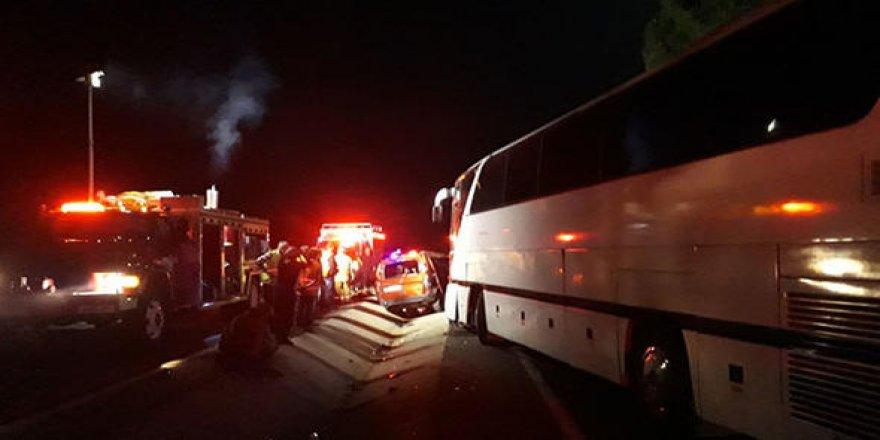 Otobüs, kamyonetle çarpıştı; ölü ve yararlılar var!