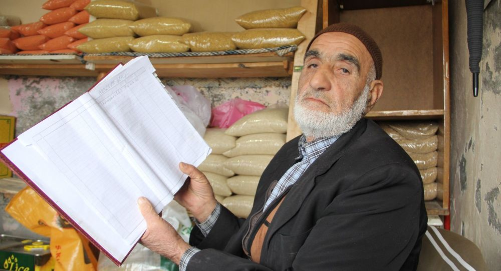 'Robin Hood' bu kez Diyarbakır'da: Mahallelinin 12 bin 500 liralık bakkal borcunu ödedi