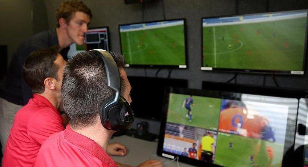 UEFA açıkladı: Artık VAR da gözlemci tarafından değerlendirilecek