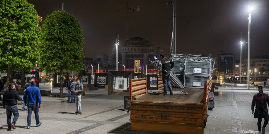 Çalışmalar gece yarısı başladı: Taksim, 1 Mayıs'a bariyerlerle hazırlanıyor!