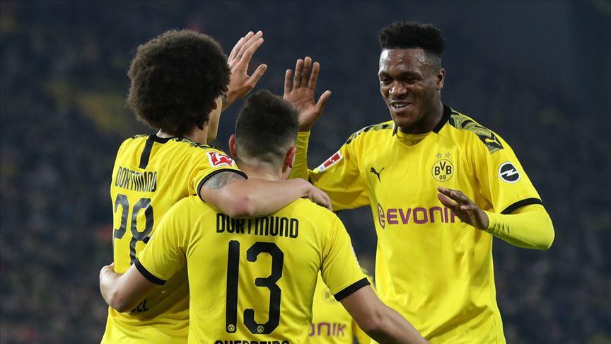 Borussia Dortmund, sahasında Eintracht Frankfurt'u 4-0 yendi