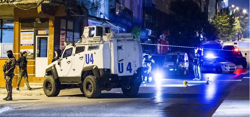Sultangazi'de silahlı saldırı, sivil polis 3 mermiyle yaralandı!