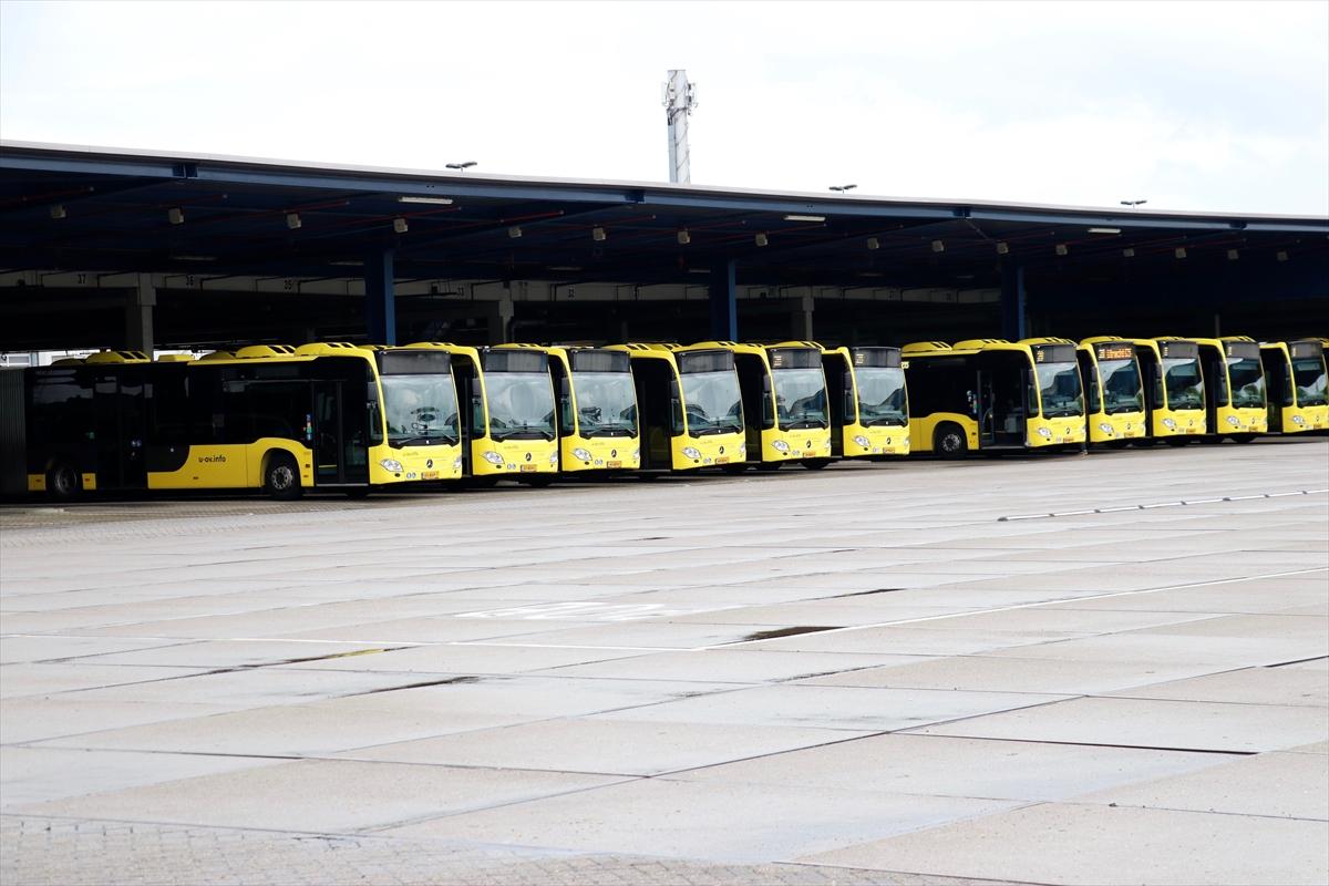 Hollanda'da otobüs şoförleri grevde