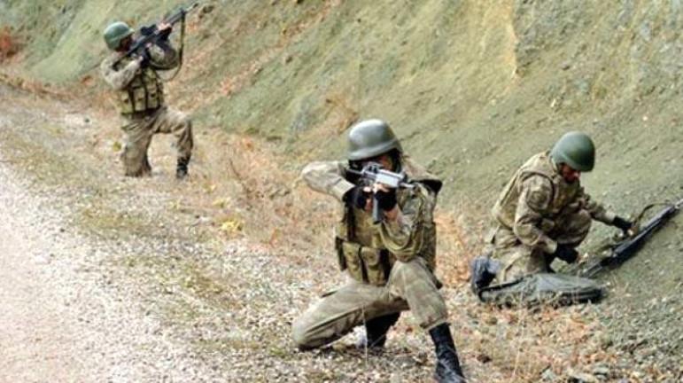 Tunceli'de teröristler askere saldırdı: Yaralılar var