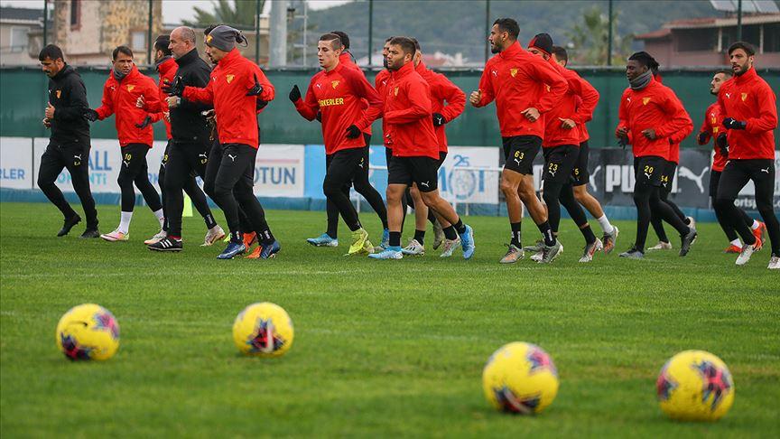 Göztepeli futbolcular ve teknik heyetin Kovid-19 testleri negatif çıktı
