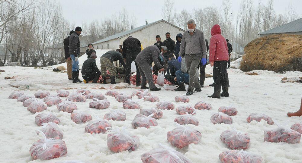 Koronavirüs salgınının bitmesi için 70 kurban kestiler