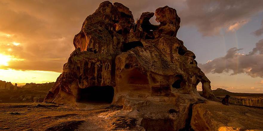 Frig Yolu'nda doğa ve tarihle iç içe yolculuk