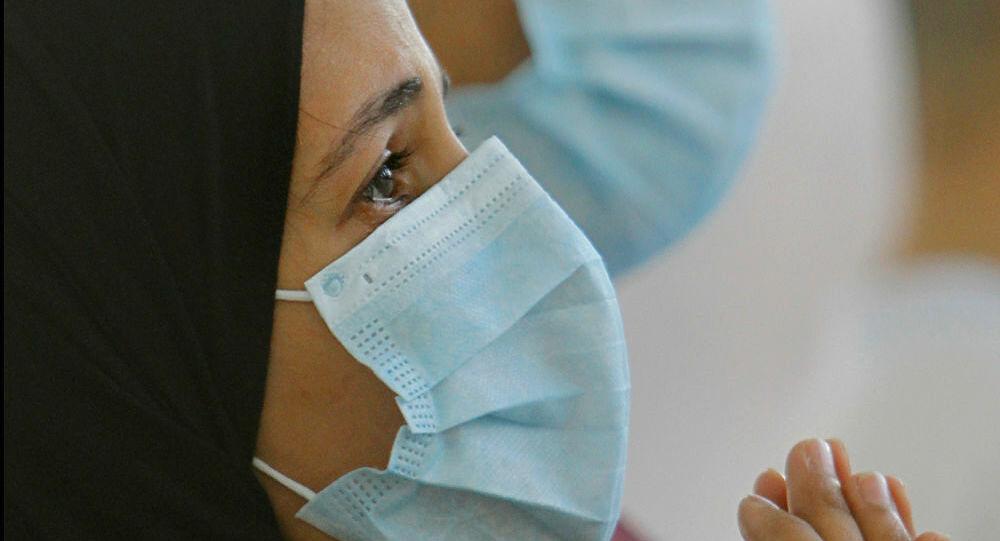 Suudi Arabistan'da Kovid-19 hastalarına zemzem suyu dağıtılıyor