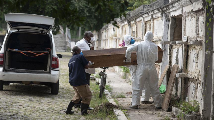 Brezilya'da son 24 saatte koronavirüs nedeniyle 338 kişi öldü