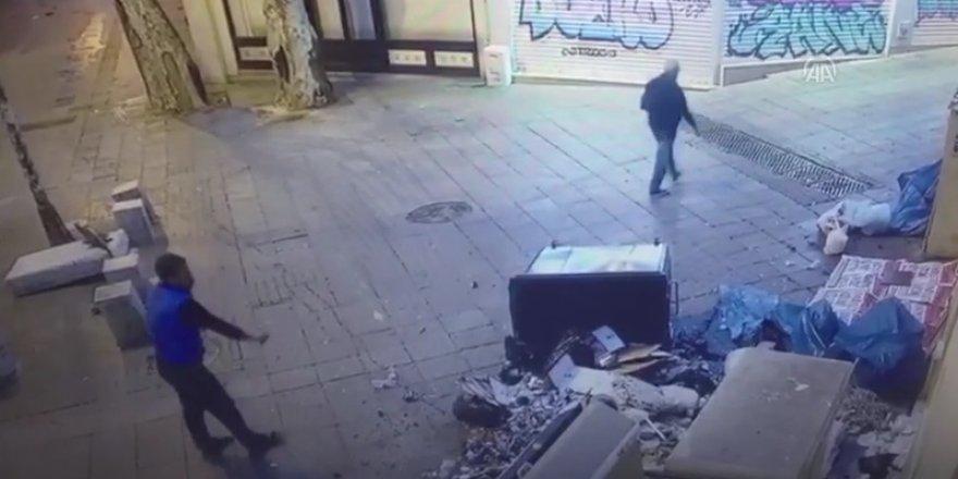 Kadıköy'deki kilisenin kapısına çöp döken zanlı güvenlik kamerasına takıldı