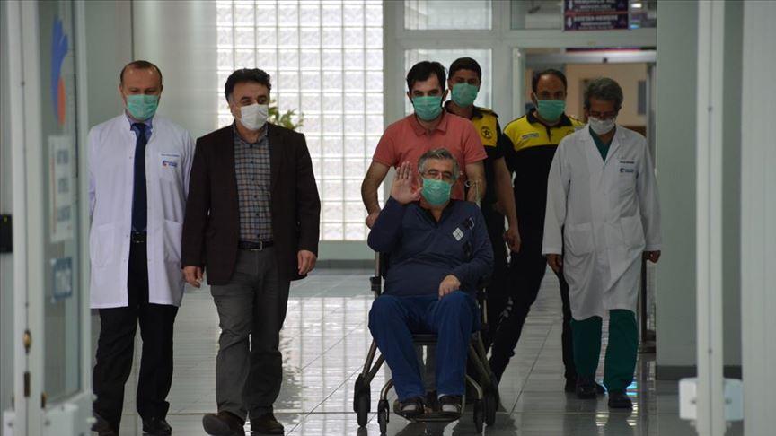 Türkiye'de ilk plazma tedavisi uygulanan hasta taburcu edildi