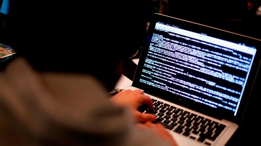 'İnternet raconlarına' karşı Sosyal Medya Bürosu kuruldu