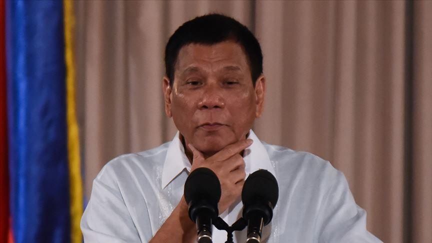 Duterte: Koronavirüs aşısı bulunana kadar okul da yok