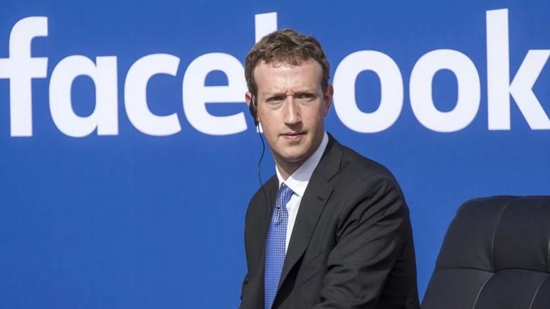 Mark Zuckerberg 11 Nisan'da ifadeye gidiyor