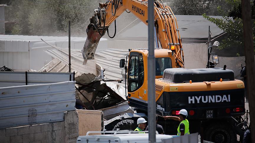 İsrail Batı Şeria'da bir okulu yıktı