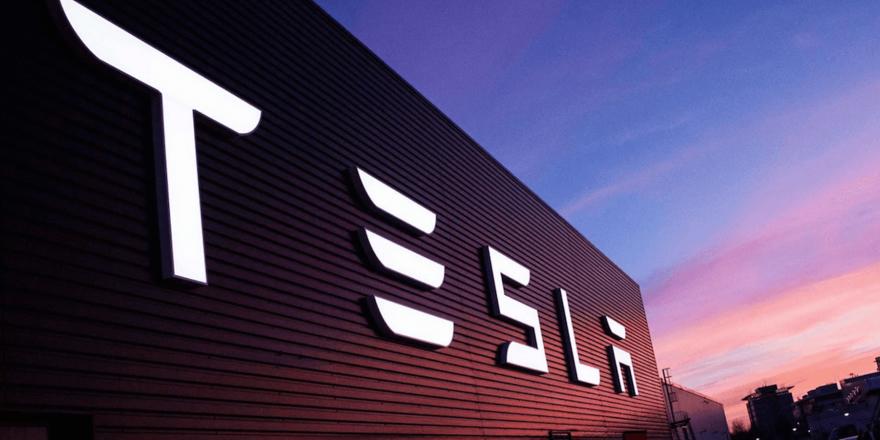 Tesla, borsadan çekilme kararı için komisyon kuruyor