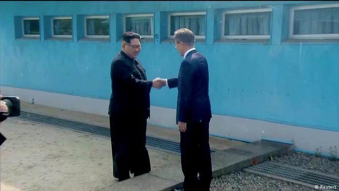 kim-yong-un--moon.jpg